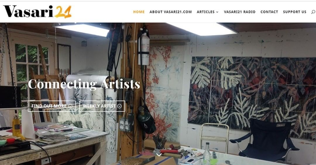 Here's a peek into my studio that is the current cover for Vasari21.com. This website is one of my very favorite places to find out what real artists are doing. Ann Landi is a wonder! Check it out: https://vasari21.com